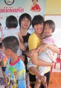 นักเรียนโรงเรียนนานาชาติไทย-จีน  มาเยี่ยมน้องๆ หมู่บ้านเด็กคุณพ่อเรย์