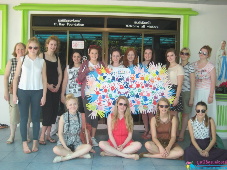 Redemptorist Vocational School for people with Disabilities (UK) ทำกิจกรรมที่ Day Care Center