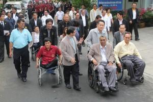คมนาคม สนับสนุนการก่อสร้างสะพานลอยสำหรับคนพิการ แห่งแรกในภูมิภาคอาเซียน