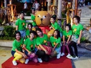 เด็กๆ ชุดเขียว ได้โอกาสโชว์เปิดตัวงานแถลงข่าว St.Patrick's Day Parade 2013 Pattaya