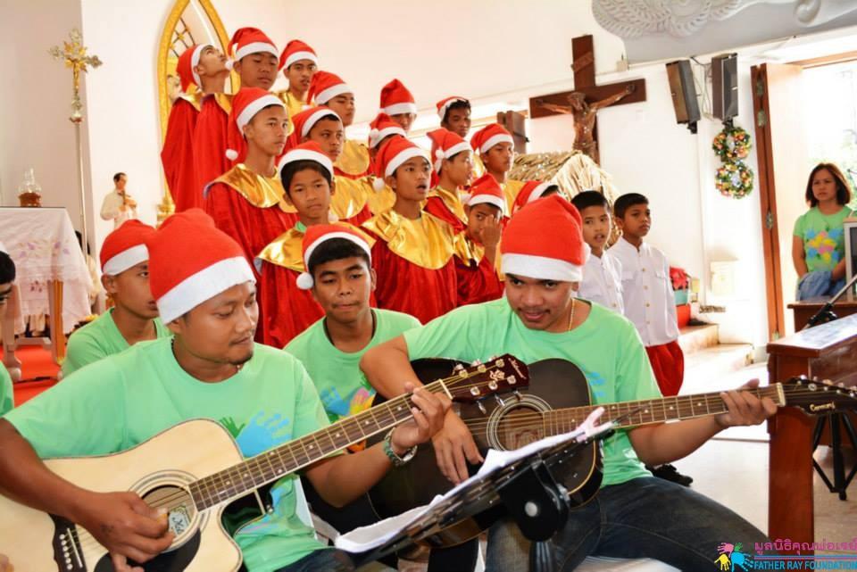 สุขสันต์วันคริสต์มาสและสวัสดีปีใหม่ ที่วัดพระมหาไถ่ กรุงเทพ
